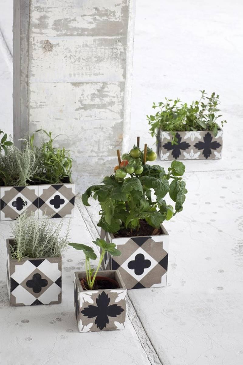 Creativas ideas para adornar tu casa con bloques de cemento for Como decorar una mesa de jardin