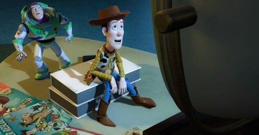 Sí alguna vez te has preguntado ¿por qué las películas de Disney Pixar tienen tanto éxito?, en este post te traemos 22 reglas que en los Estudios Pixar toman en cuenta al momento de escribir sus historias.