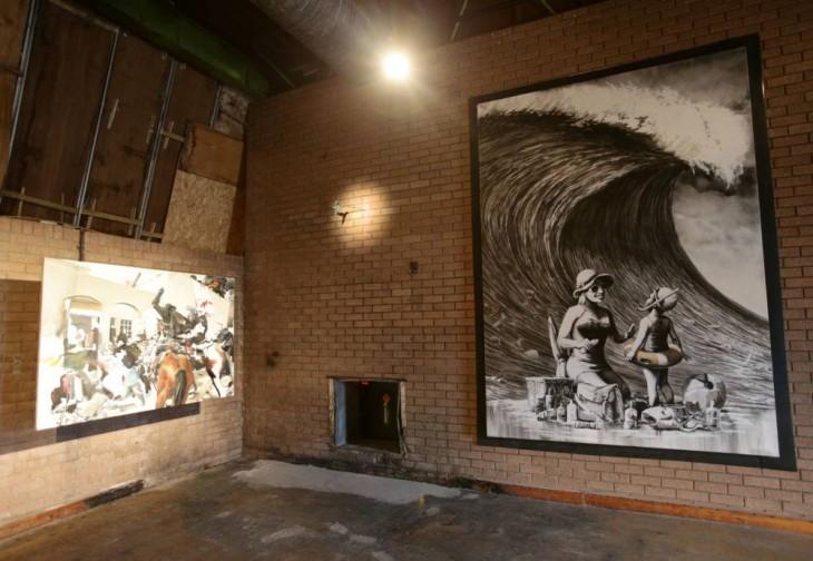"""obras de arte en el parque de Banksy """"Dismaland"""""""