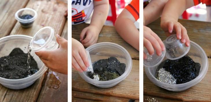 Manos combinando ingredientes para hacer pintura lunar