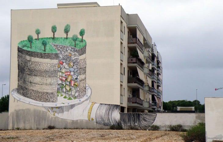 Grafiti de un pastel relleno de basura