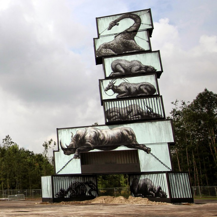 Bodegones con grafitis de animales que parecen estar en cautiverio
