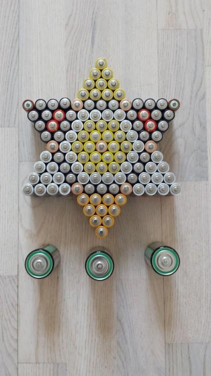 Pilas acomodadas formando una estrella