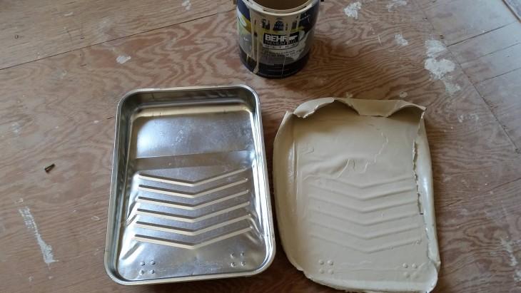 pintura con forma de molde para poner la pintura