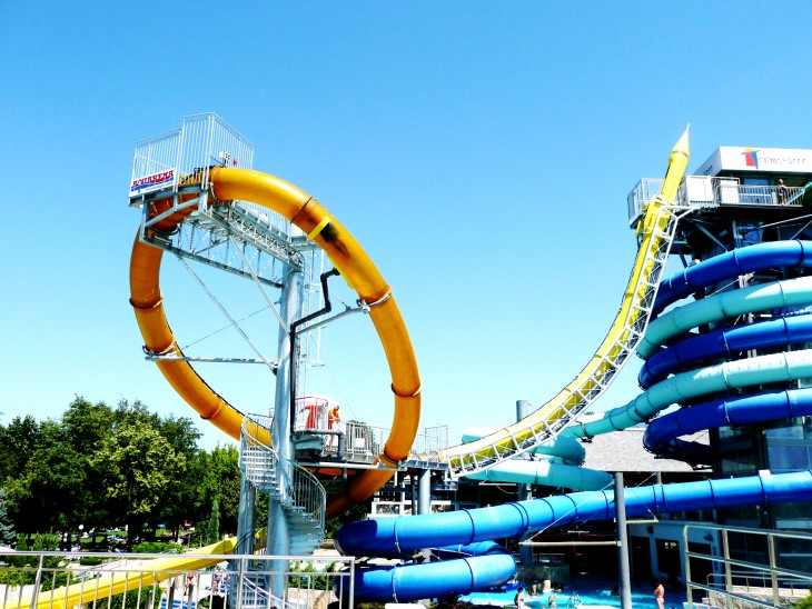Tobogán Aqualoop en Terme 3000 Water Park en Eslovenia