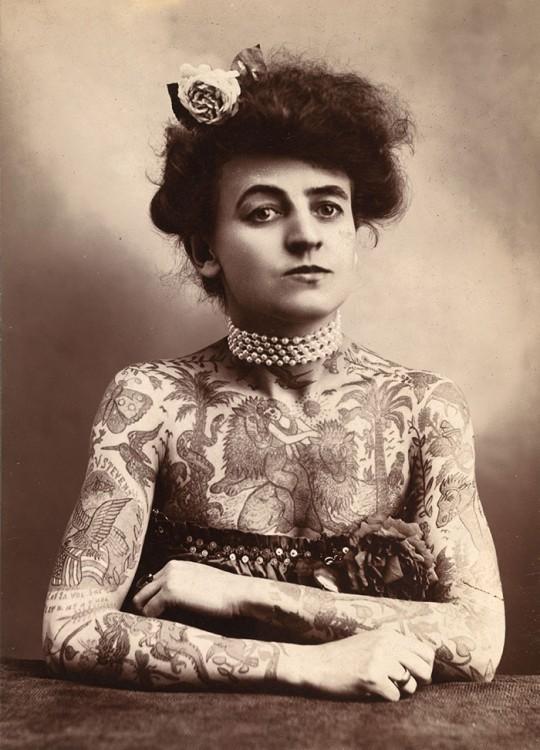 Maud Stevens Wagner es la primer mujer tatuadora conocida en 1907