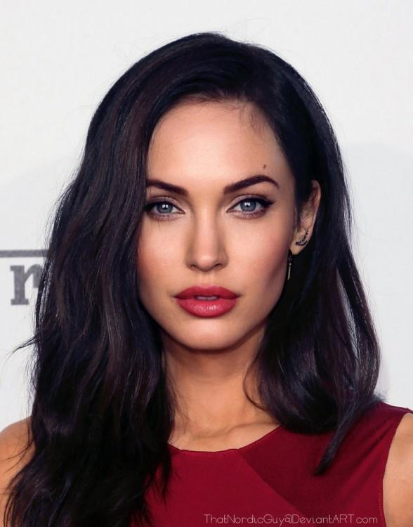 Cara con la combinación de Angelina Jolie y Megan Fox