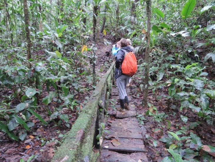 Personas visitando la Reserva Biologica Indio Maiz en Nicaragua