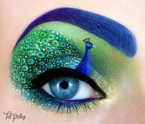 pavo real en los ojos