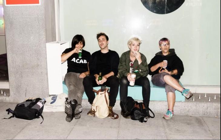 artistas londinenses en contra de los spikes