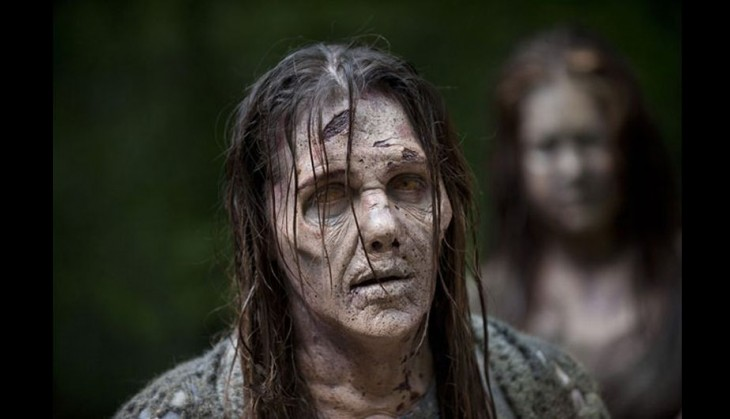 mujer zombie en the walking dead