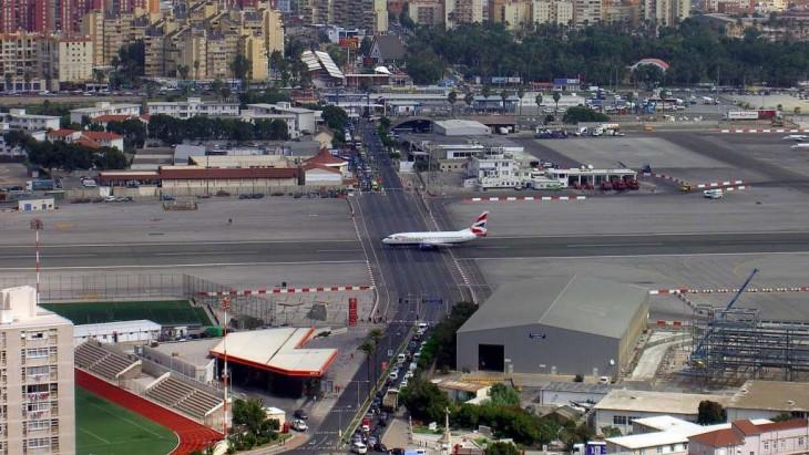 pista de despegue del aeropuerto de gibraltar
