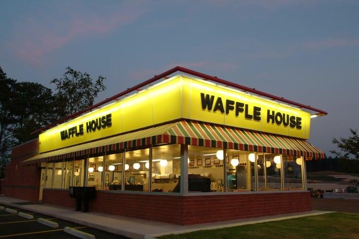 waffle house lugar donde trabajaba tonda