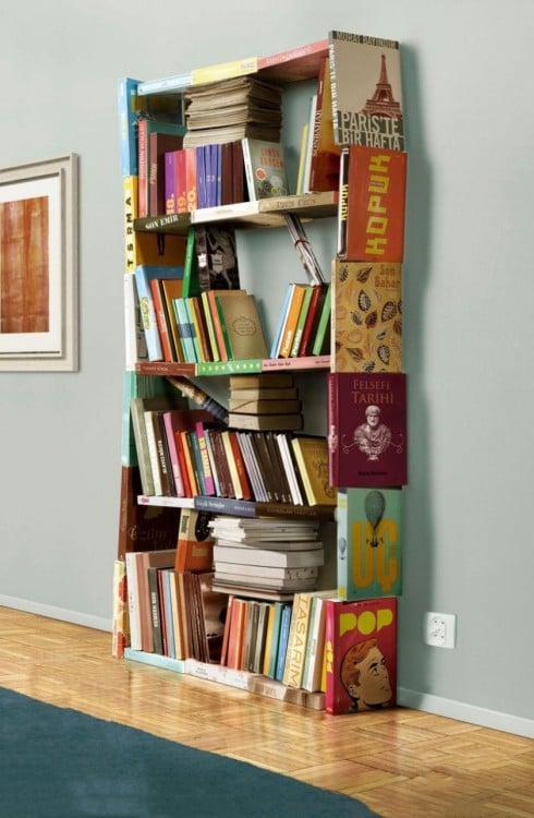 Una repisa hecha de libros