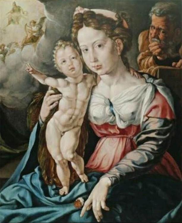 mujer con su hijo que tiene abdominales