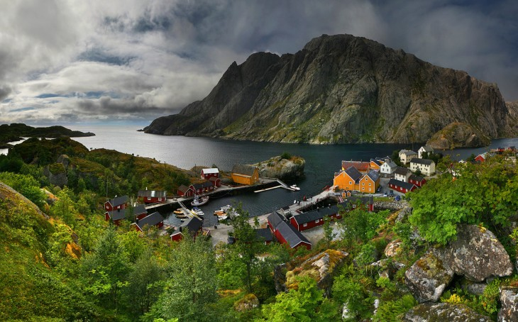 Pequeña Villa de pescadores, Norte de Noruega