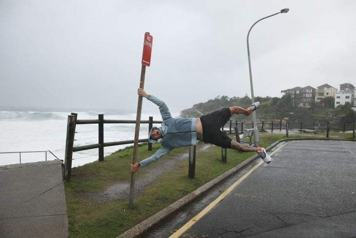 rachas de viento de 135 kph en las tormentas de australia