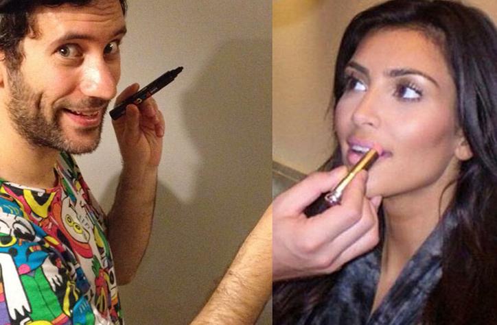 hombre pintando los labios de Kim Kardashian