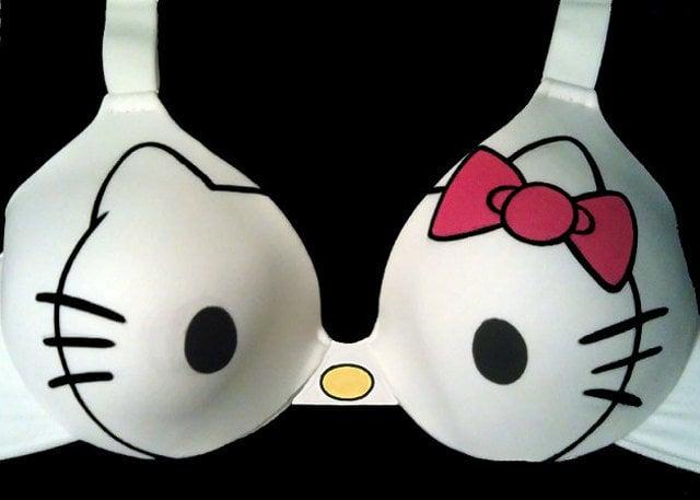 Brasier con el diseño de Hello Kitty