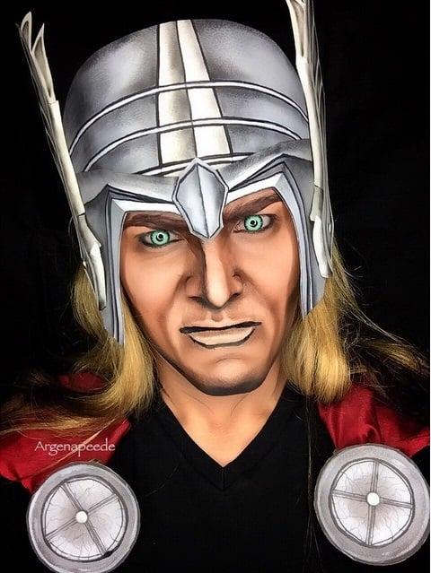 Argenis Pinal se maquilla como Thor