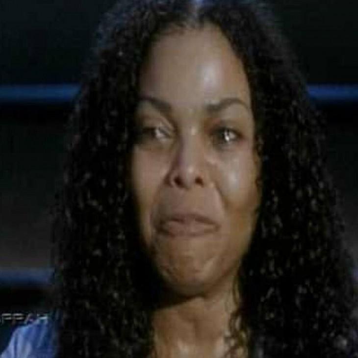 cara de una mujer que esta llorando