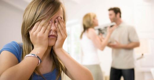Los padres estrictos causan transtornos y malas vivencias a sus hijos