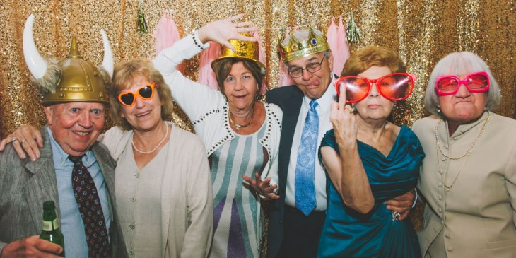 Estos abuelos se toman la mejor foto en la boda de su nieto