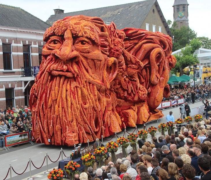 Carro alegorico en el desfile de Corso Zundert al sur de Holanda