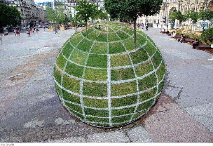 imagen de ilusión 3D en las áreas verdes en el ayuntamiento de París