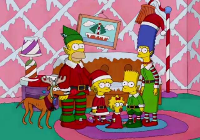 Los Simpson en la sala de su casa con vestimenta de navidad