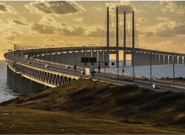 puente Oresund por un lateral
