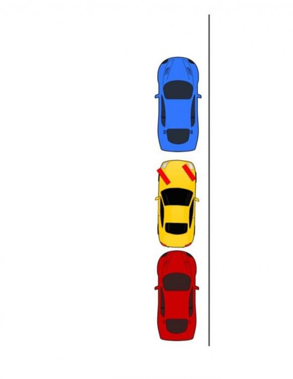 Imagen que muestra tres carros estacionados en una línea