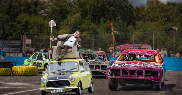 Photoshop de Mr. Bean en su carro durante la carrera Banger
