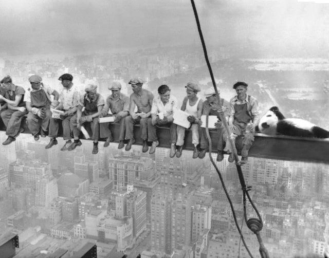 pandita con sus amigos trabajadores de los años 20's