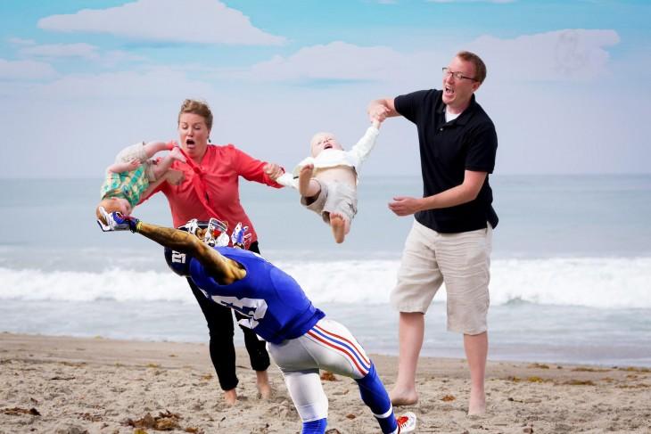 futbolista atrapaal niño como al balón