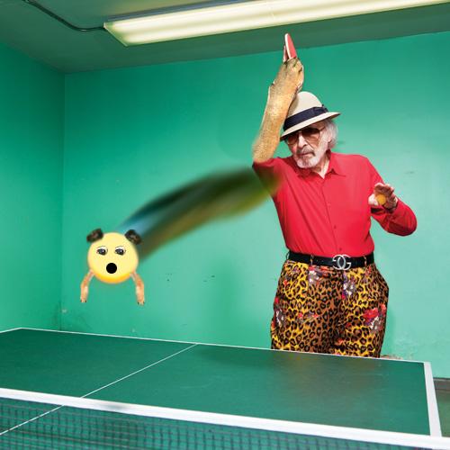 pug convertido en una pelota de ping pong