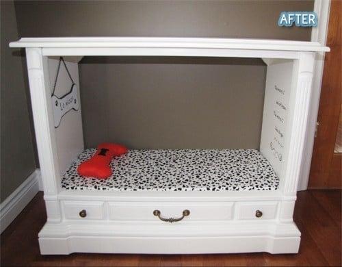 mueble de televisor convertido en una cama para perro
