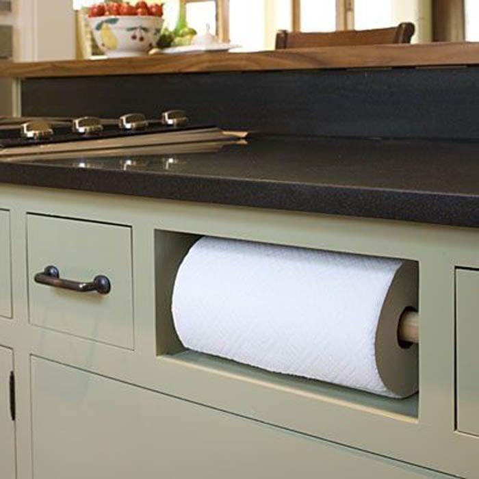 Cajón especial en la cocina para el rollo de las toallas de papel