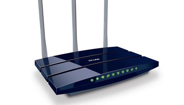 Router con antena para mejorar la señal de Wi- Fi