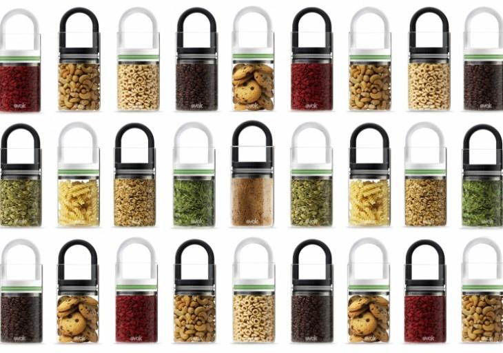 Contenedores Evak con diferentes tipos de alimentos