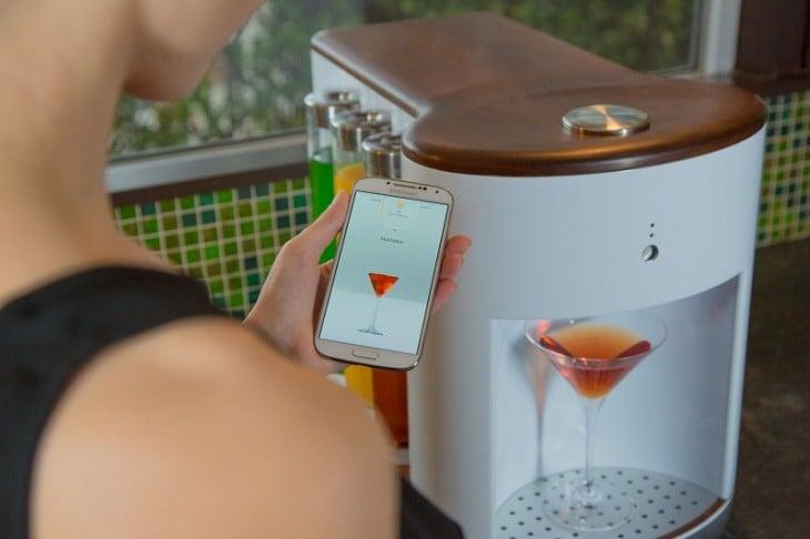 Dispositivo para preparar cualquier tipo de bebida o coctel