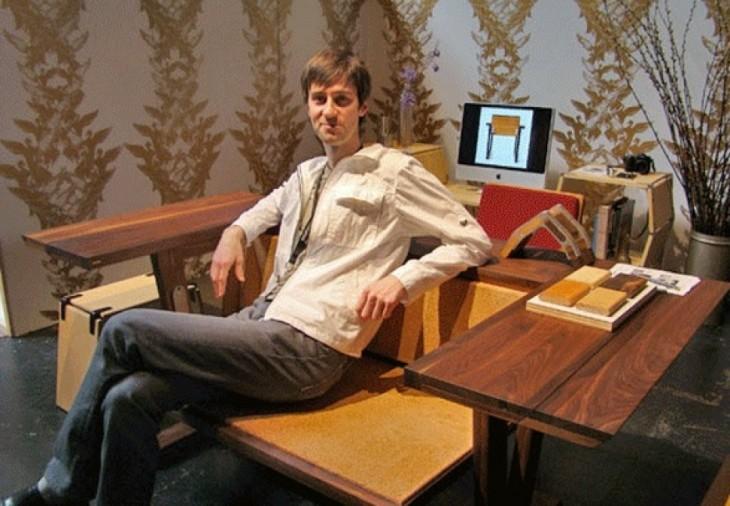 sofa que se hace mesa de madera