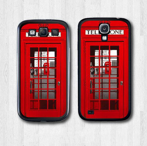 funda para celular con forma de cabina teléfonica