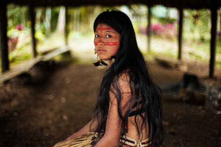 MUJER DEL AMAZONAS