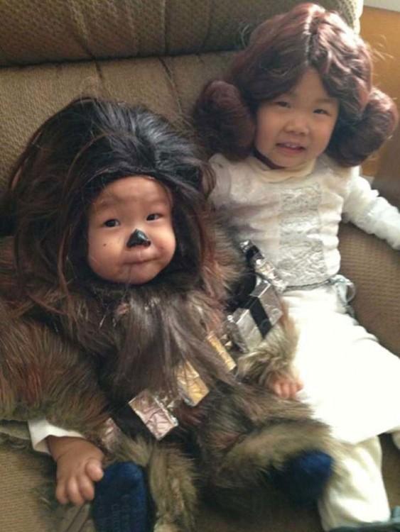 hermanitos duisfrazados del la prince leia y el chubbacca