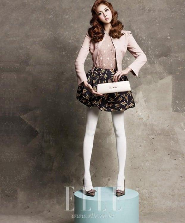 Uee actriz coreana que poso como una barbie