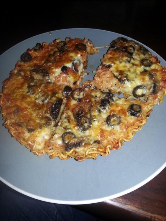 Pizza de fideos