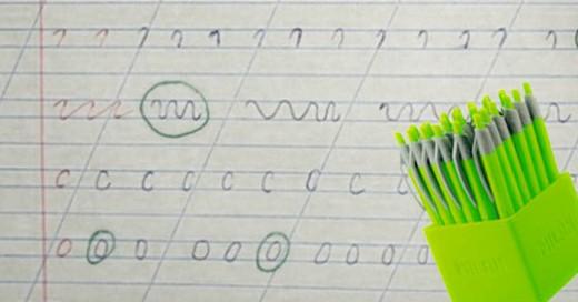 Nunca supimos para que servían los bolígrafos verdes, esta mama revoluciono su uso