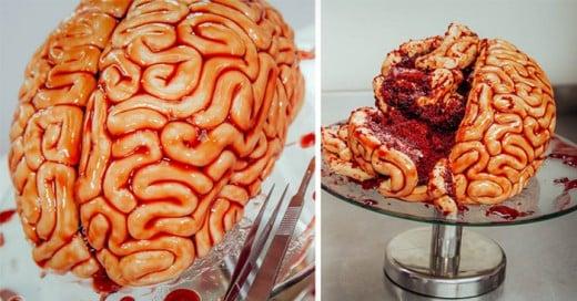 Un gran pastel REd VElvet en forma de cerbero honoríficamente sabroso