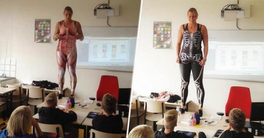 Una Maestrase desnuda frente a su grpo para dar lecciones e anatomía